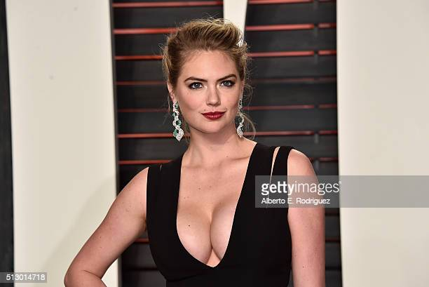 Model Kate Upton attends the 2016 Vanity Fair Oscar Party hosted By Graydon Carter at Wallis Annenberg Center for the Performing Arts on February 28...