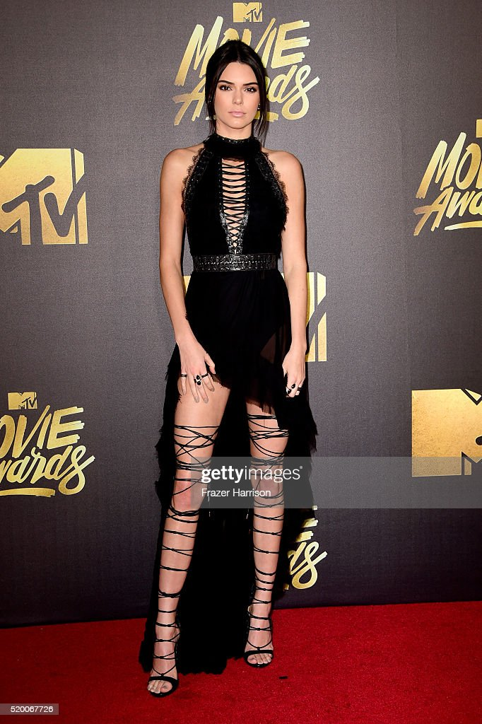 model-kendall-jenner-attends-the-2016-mtv-movie-awards-at-warner-bros-picture-id520067726