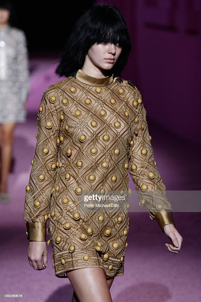 Model Kendall Jenner walks the runway at the Marc Jacobs fashion show during MercedesBenz Fashion Week Spring 2015 at Park Avenue Armory on September...