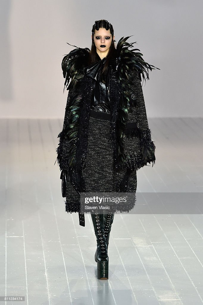 Marc Jacobs - Runway - Fall 2016 New York Fashion Week