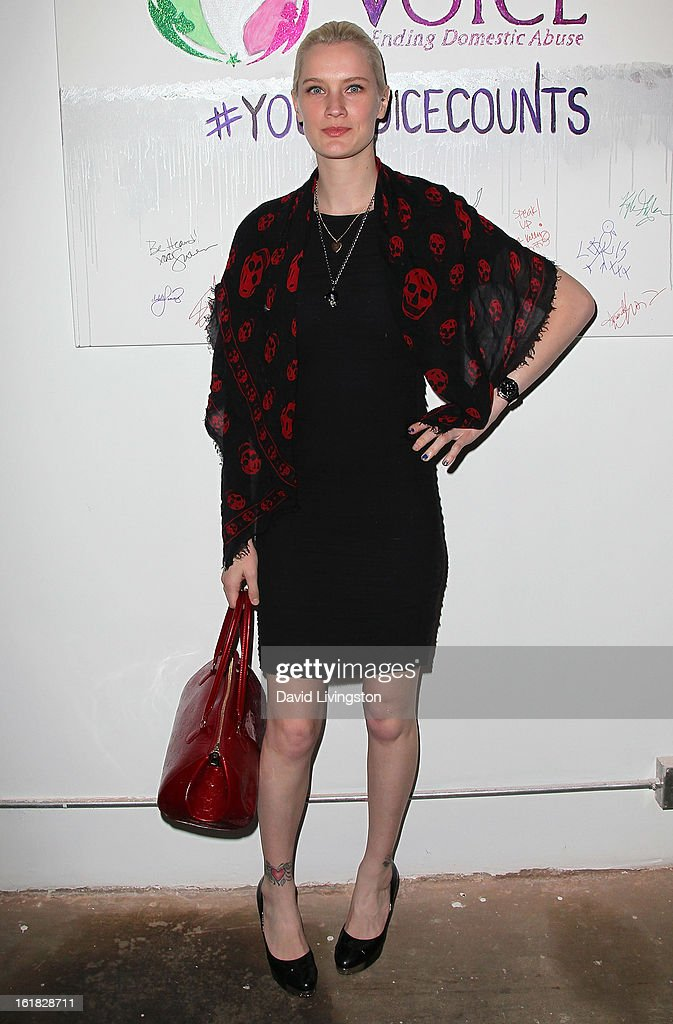 Model Kiera Smith attends Linda's Voice joining with 'The Vagina Monologues' One Billion Rising Campaign at Voice's Unsilenced Live Art Auction at LAB ART on February 16, 2013 in Los Angeles, California.