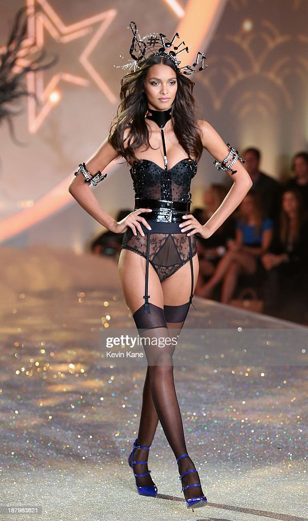 Model <a gi-track='captionPersonalityLinkClicked' href=/galleries/search?phrase=Lais+Ribeiro&family=editorial&specificpeople=7178171 ng-click='$event.stopPropagation()'>Lais Ribeiro</a> walks the runway at the 2013 Victoria's Secret Fashion Show at Lexington Avenue Armory on November 13, 2013 in New York City.