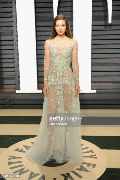 Model Lara Lieto attends the 2017 Vanity Fair Oscar Party hosted by Graydon Carter at Wallis Annenberg Center for the Performing Arts on February 26...