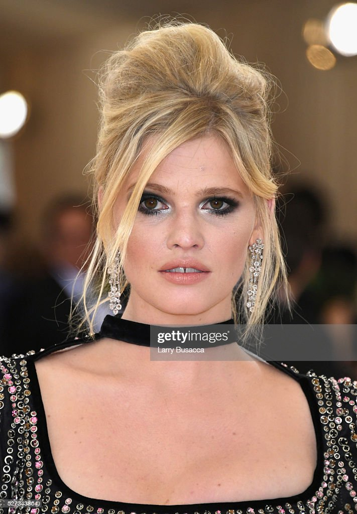 Model Lara Stone attends the 'Manus x Machina: Fashion In An Age Of Technology' Costume Institute Gala at Metropolitan Museum of Art on May 2, 2016 in New York City.