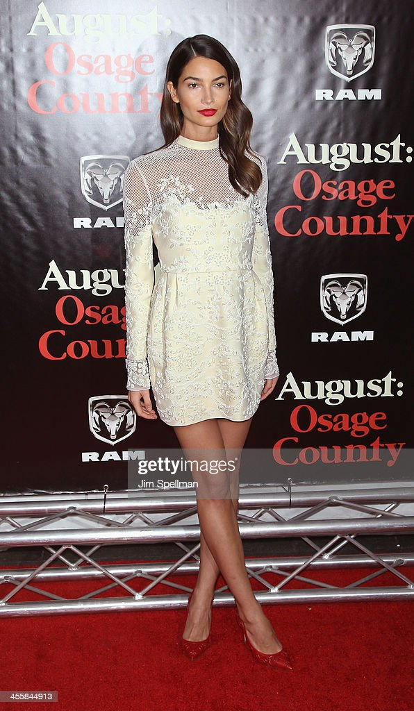 Model <a gi-track='captionPersonalityLinkClicked' href=/galleries/search?phrase=Lily+Aldridge&family=editorial&specificpeople=2110490 ng-click='$event.stopPropagation()'>Lily Aldridge</a> attends the 'August: Osage County' premiere at Ziegfeld Theater on December 12, 2013 in New York City.