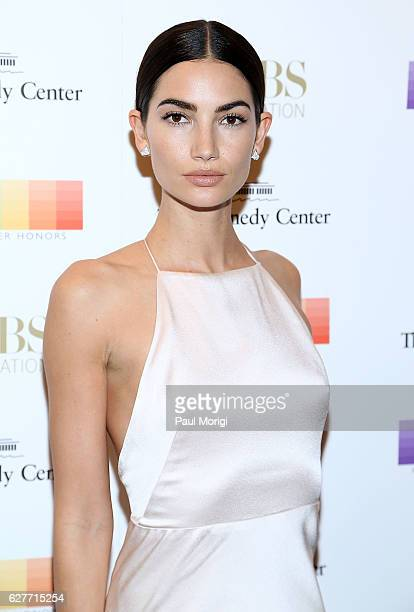 Model Lily Aldridge walks the red carpet at the 39th Annual Kennedy Center Honors at The Kennedy Center on December 4 2016 in Washington DC