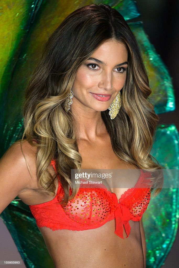 Model Lily Aldridge walks the runway during the 2012 Victoria's Secret Fashion Show at the Lexington Avenue Armory on November 7, 2012 in New York City.