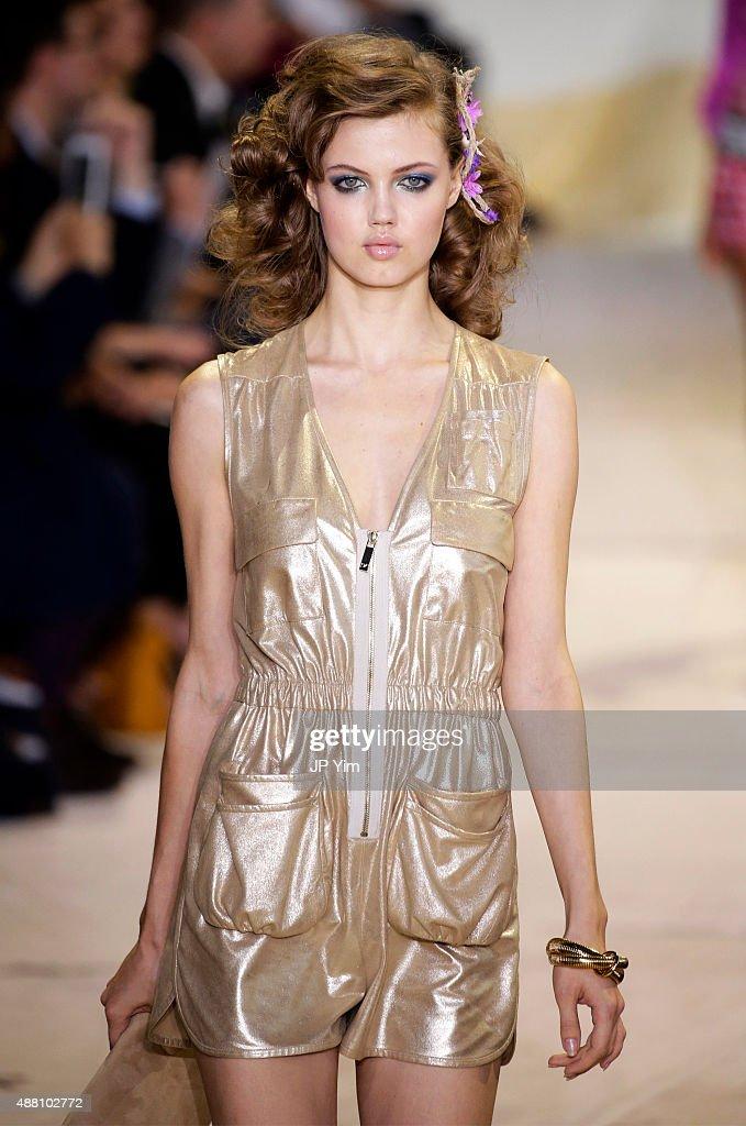 Model Lindsey Wixson walks the runway at the Diane Von Furstenberg Spring 2016 fashion show during New York Fashion Week at Spring Studios on...