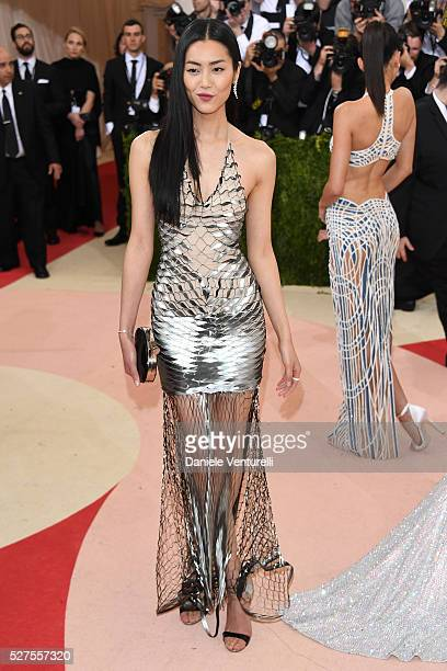 Model Liu Wen attends the 'Manus x Machina Fashion In An Age Of Technology' Costume Institute Gala at Metropolitan Museum of Art on May 2 2016 in New...