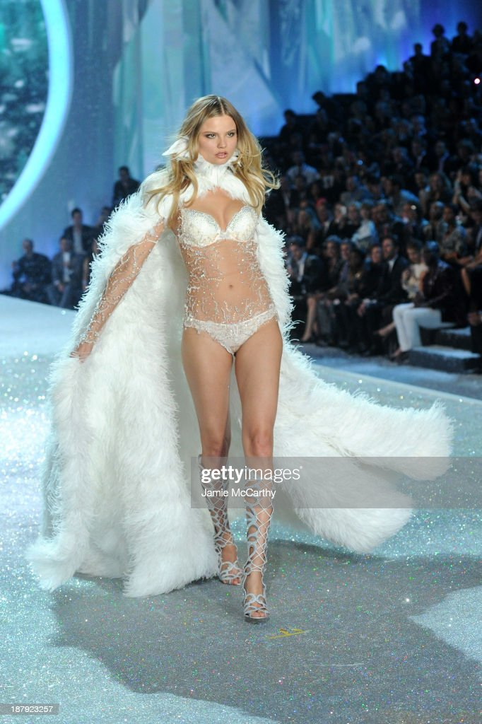 Model Magdalena Frackowiak walks the runway at the 2013 Victoria's Secret Fashion Show at Lexington Avenue Armory on November 13, 2013 in New York City.