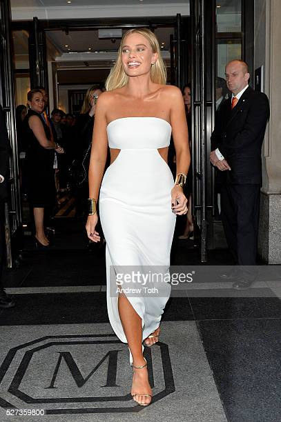 Model Margot Robbie leaves from The Mark Hotel for the 2016 'Manus x Machina Fashion in an Age of Technology' Met Gala on May 2 2016 in New York City