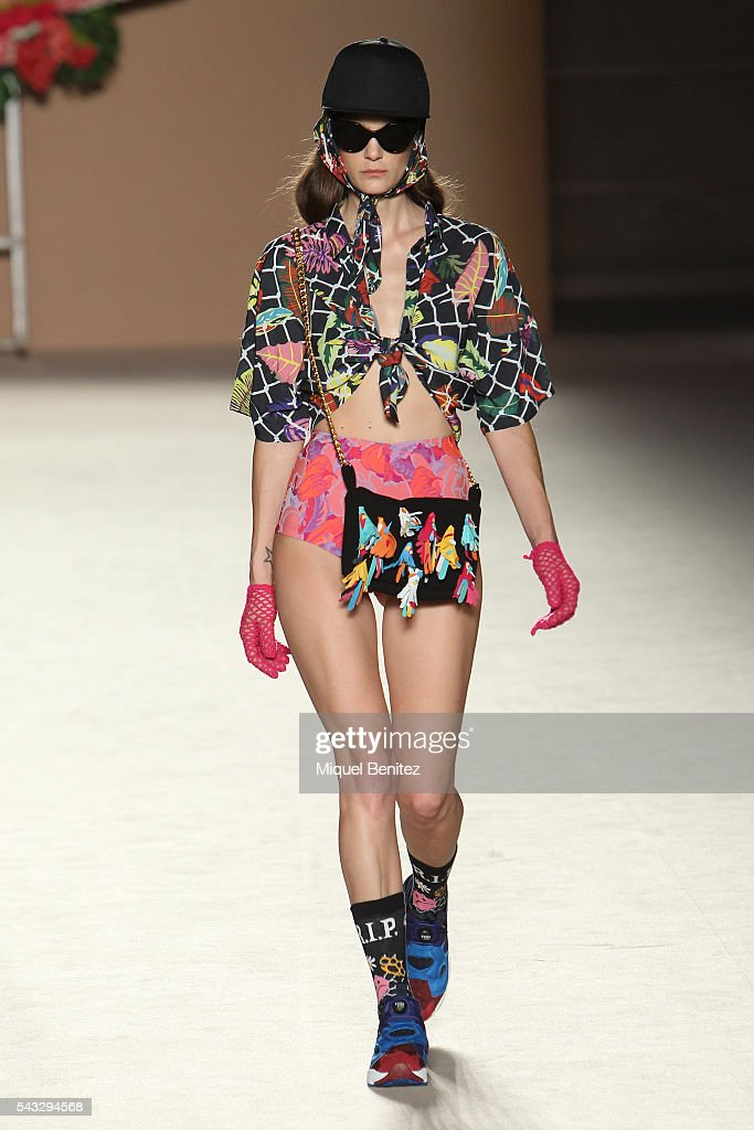 Model Marina Perez walks the runaway at the Krizia Robustella show during the Barcelona 080 Fashion Week Spring/Summer 2017 at the INFEC, Institut Nacional d'Educaci Fsica de Catalunya on June 27, 2016 in Barcelona, Spain.