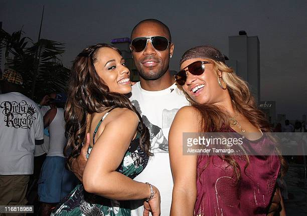 Model Melyssa Ford RB singer Tank and Hazel Eyez CEO Arica Adams pose during the Hazel Eyez Experience at The Catalina Hotel on May 4 2008 in Miami...