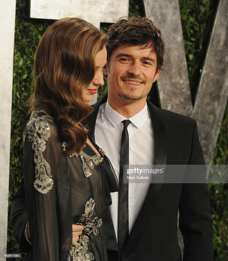 Model Miranda Kerr (L) and Orlando Bloom arrive at the 2013 Vanity Fair Oscar Party at Sunset Tower on February 24, 2013 in West Hollywood, California.