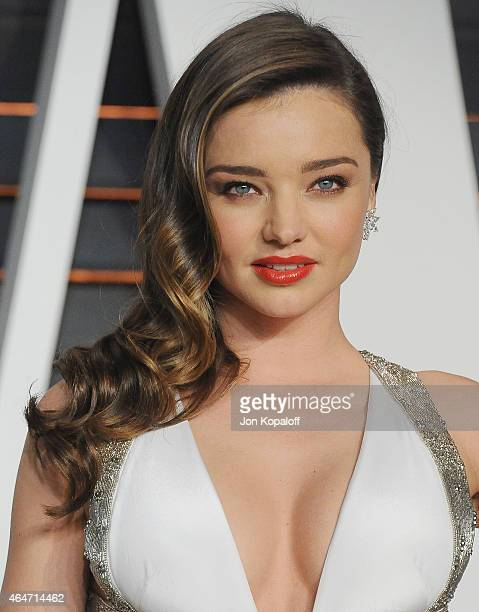 Model Miranda Kerr arrives at the 2015 Vanity Fair Oscar Party Hosted By Graydon Carter at Wallis Annenberg Center for the Performing Arts on...