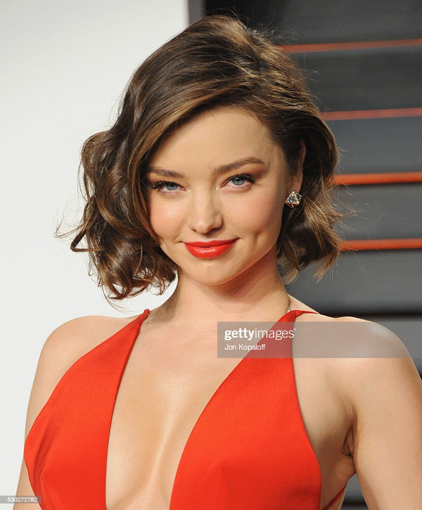 Model Miranda Kerr arrives at the 2016 Vanity Fair Oscar Party Hosted By Graydon Carter at Wallis Annenberg Center for the Performing Arts on February 28, 2016 in Beverly Hills, California.