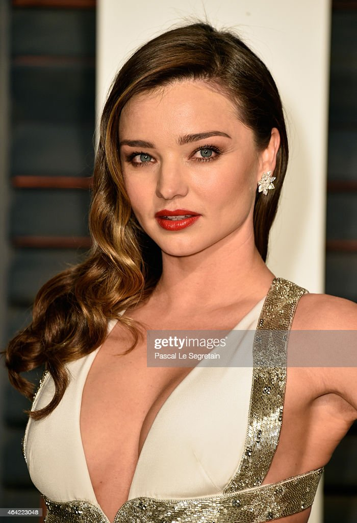 Model <a gi-track='captionPersonalityLinkClicked' href=/galleries/search?phrase=Miranda+Kerr&family=editorial&specificpeople=5714330 ng-click='$event.stopPropagation()'>Miranda Kerr</a> attends the 2015 Vanity Fair Oscar Party hosted by Graydon Carter at Wallis Annenberg Center for the Performing Arts on February 22, 2015 in Beverly Hills, California.