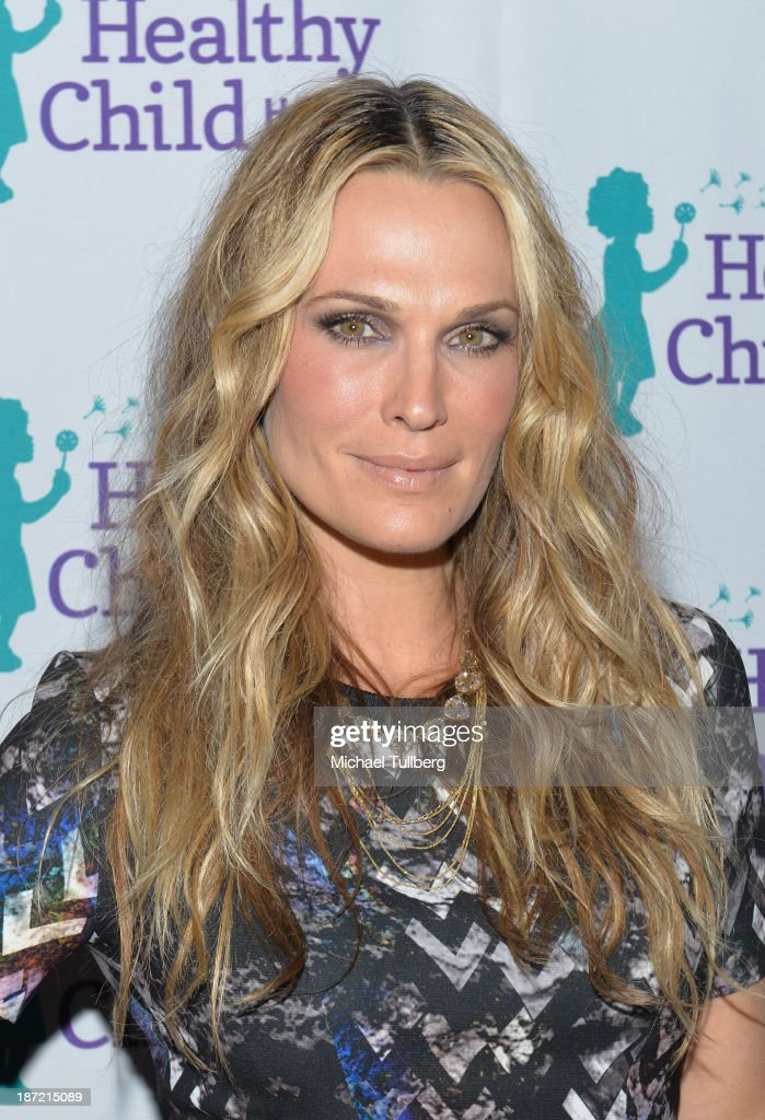 Model <a gi-track='captionPersonalityLinkClicked' href=/galleries/search?phrase=Molly+Sims&family=editorial&specificpeople=202547 ng-click='$event.stopPropagation()'>Molly Sims</a> attends Mom On A Mission's 5th Annual Awards and Gala on November 6, 2013 in Pacific Palisades, California.