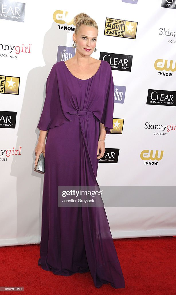 Model Molly Sims attends the 18th Annural Critics' Choice Awards Arrivals held at Barker Hangar on January 10, 2013 in Santa Monica, California.