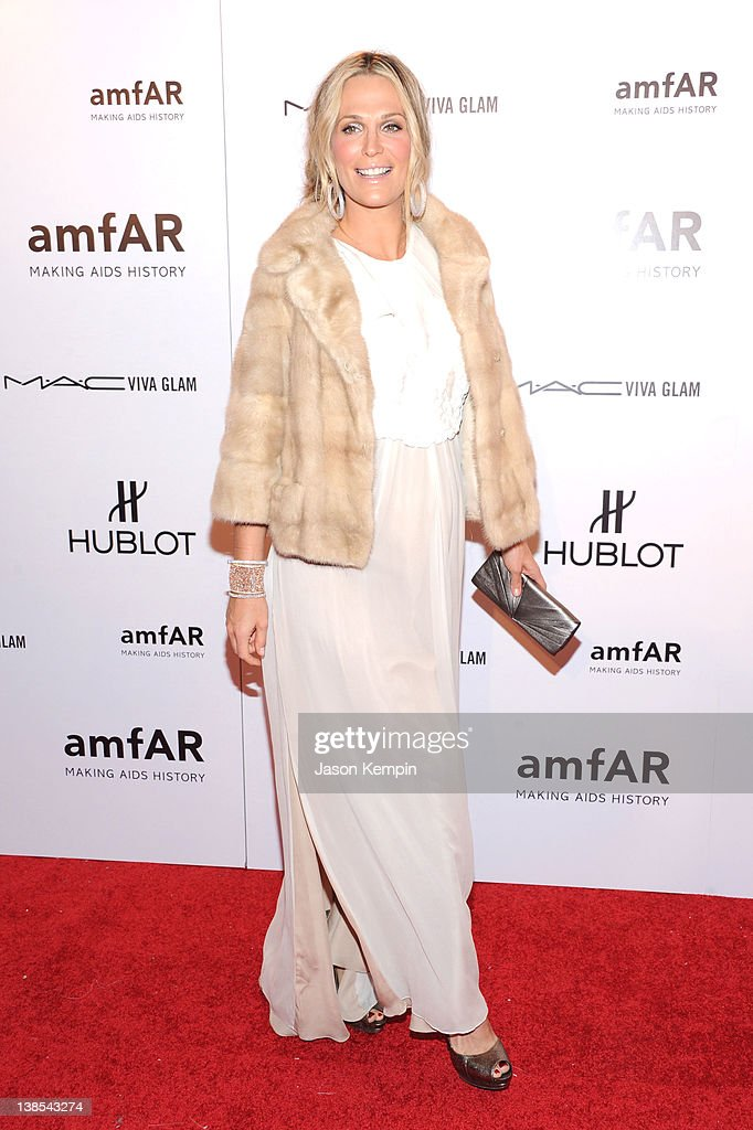Model Molly Sims attends the amfAR New York Gala To Kick Off Fall 2012 Fashion Week Presented By Hublot at Cipriani Wall Street on February 8, 2012 in New York City.