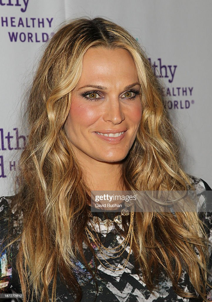 Model <a gi-track='captionPersonalityLinkClicked' href=/galleries/search?phrase=Molly+Sims&family=editorial&specificpeople=202547 ng-click='$event.stopPropagation()'>Molly Sims</a> attends the Mom On A Mission's 5th Annual Awards & Gala on November 6, 2013 in Pacific Palisades, California.