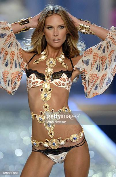 Model Natasha Poly wearing Victoria's Secret at the 12th Victoria's Secret Fashion show at the Kodak Theater on November 15 2007 in Hollywood...