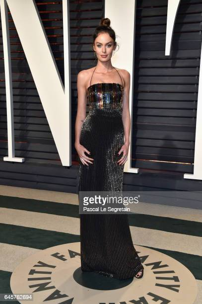 Model Nicole Trunfio attends the 2017 Vanity Fair Oscar Party hosted by Graydon Carter at Wallis Annenberg Center for the Performing Arts on February...