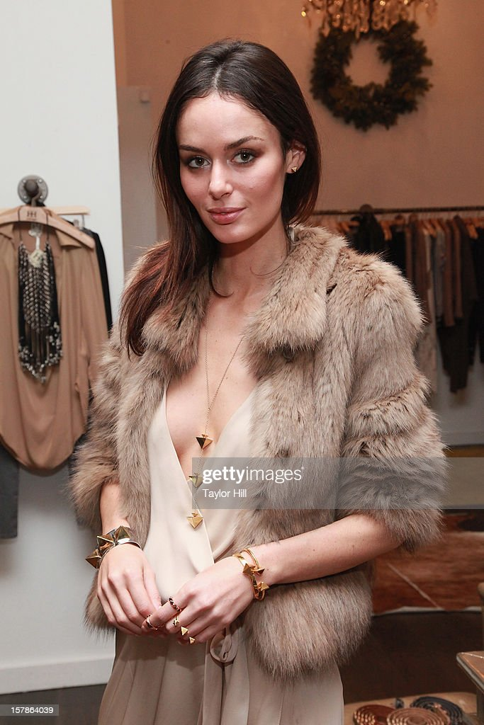Model Nicole Trunfio attends the Trunfio Jewels Trunk Show at Haute Hippie on December 6, 2012 in New York City.