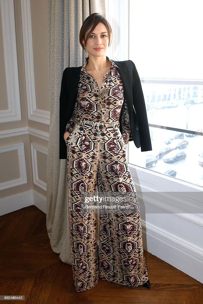 model-olga-kurylenko-attends-the-schiaparelli-haute-couture-spring-picture-id632460442