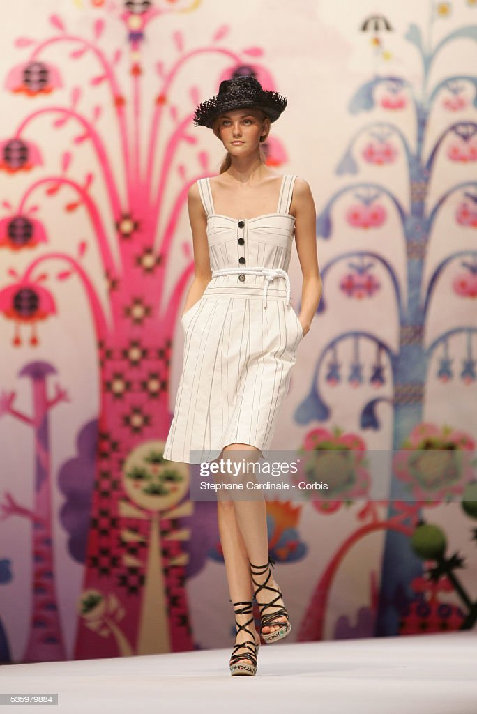 Model on the catwalk at the 'Cacharel ready-to-wear Spring-Summer 2006 collection' fashion show.