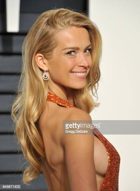 Model Petra Nemcova arrives at the 2017 Vanity Fair Oscar Party Hosted By Graydon Carter at Wallis Annenberg Center for the Performing Arts on...