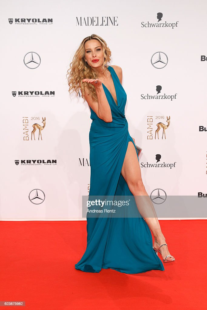 model-petra-nemcova-arrives-at-the-bambi-awards-2016-at-stage-theater-picture-id623875982