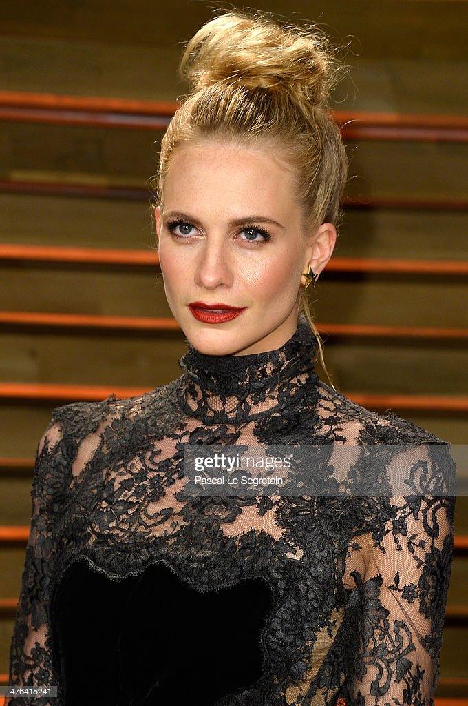 Model Poppy Delevingne attends the 2014 Vanity Fair Oscar Party hosted by Graydon Carter on March 2, 2014 in West Hollywood, California.