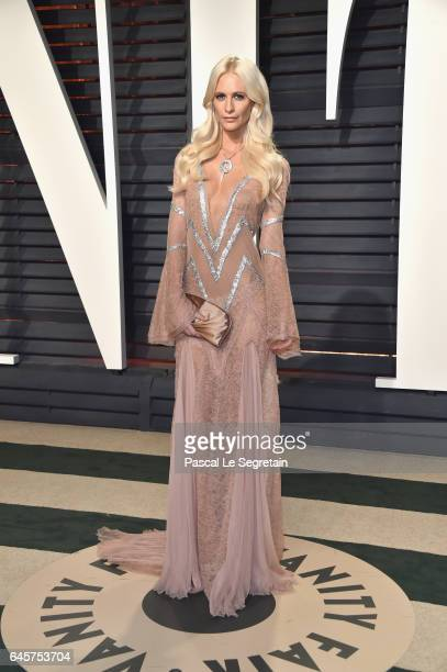 Model Poppy Delevingne attends the 2017 Vanity Fair Oscar Party hosted by Graydon Carter at Wallis Annenberg Center for the Performing Arts on...