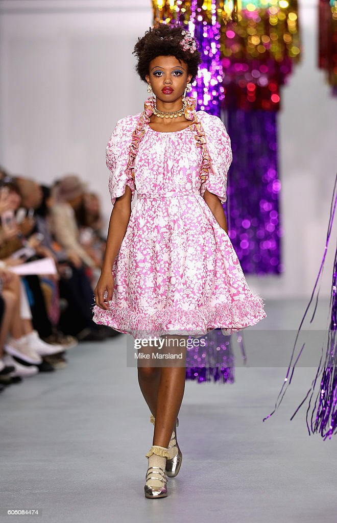 model-walks-the-runway-at-the-ryan-lo-show-during-london-fashion-week-picture-id606084474
