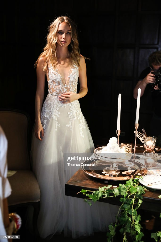 A model poses during the Monique Lhuillier Spring 2018 Bridal Presentation at the Academy Mansion on October 5, 2017 in New York City.