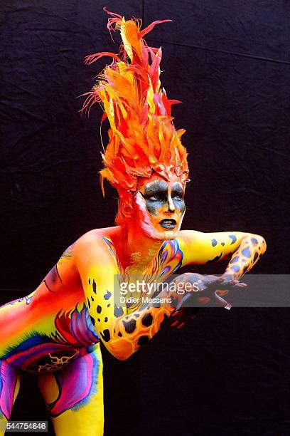 A model poses with her bodypainting designed by bodypainting artist Rachel Deboer from Hawai during the World Bodypainting Festival 2016 in...