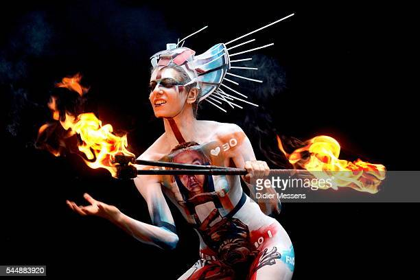 A model poses with her bodypainting designed by bodypainting artist Jessica Watson Miller from Australia during the World Bodypainting Festival on...