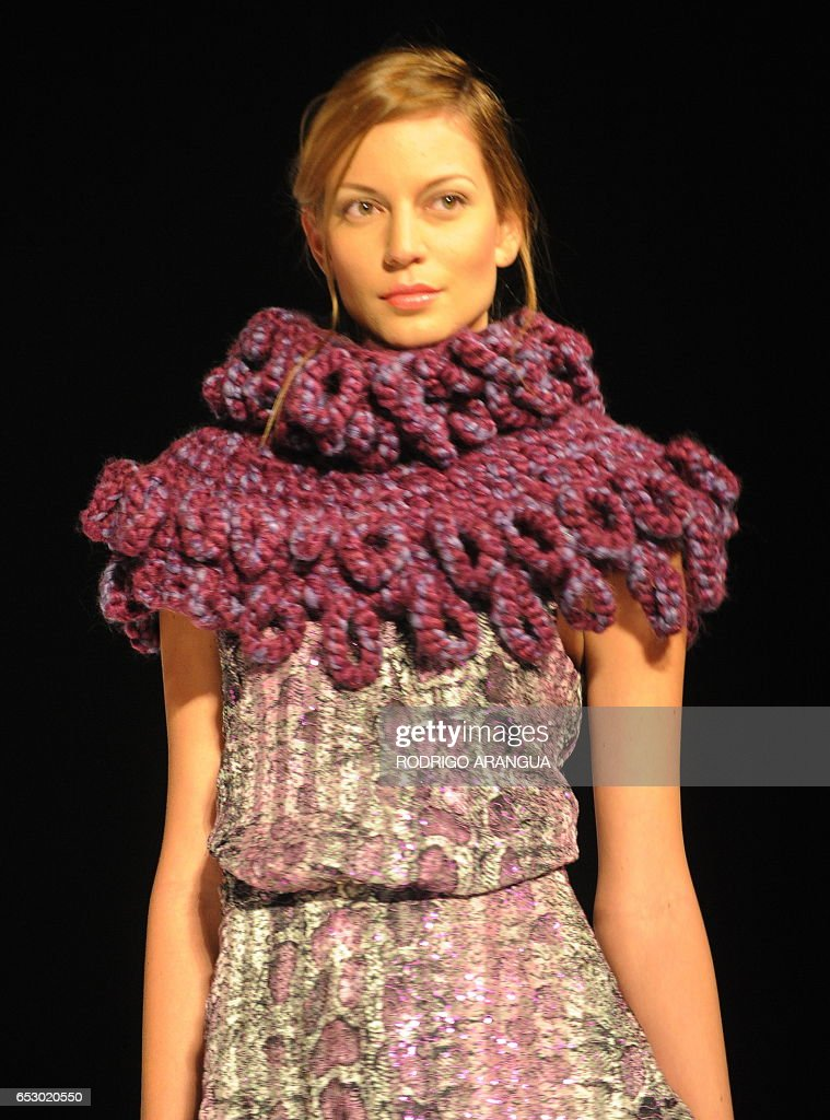 A model presents a creation by Colombian designer Bettina Spitz during the 'Circulo de la Moda de Bogota' fashion show on February 17, 2010 in Bogota. AFP PHOTO/Rodrigo ARANGUA /