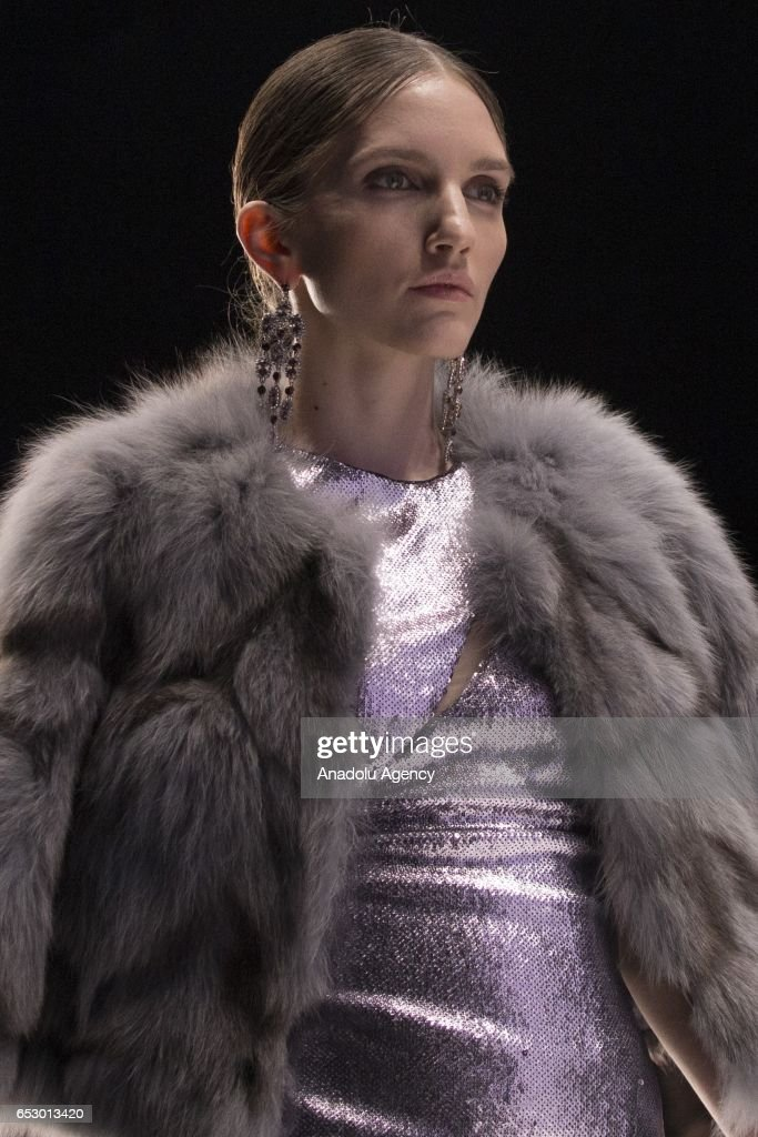 A model presents a creation by ISABEL GARCIA during the 2017/2018 Fall/Winter Mercedes-Benz Fashion Week Russia on March 13, 2017 in Moscow.