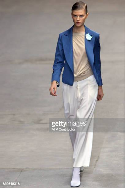 A model presents a creation by Italian designer Stefano Pilati for Yves Saint Laurent during Spring/Summer 2008 readytowear collection show in Paris...