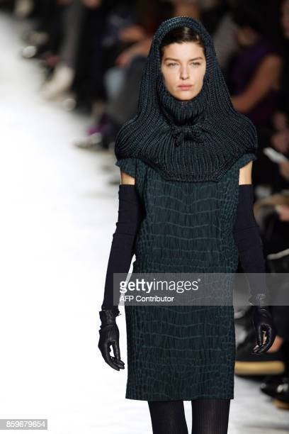 A model presents a creation by Italian designer Stefano Pilati for Yves Saint Laurent during the Autumn/Winter 2007/2008 readytowear collection show...