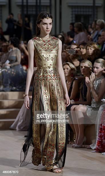 Valentino garavani fashion designer stock photos and - Mobeldesigner italien ...