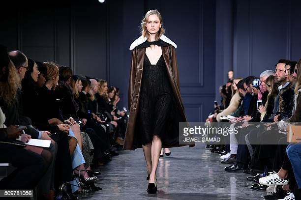 A model presents a creation by Jason Wu during the Fall 2016 New York Fashion Week on February 12 in New York / AFP / Jewel Samad