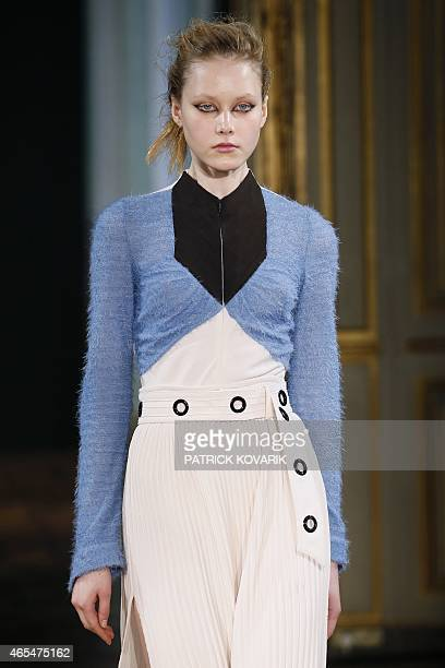 A model presents a creation by Veronique Leroy during the 20152016 fall/winter readytowear collection fashion show on March 7 2015 in Paris AFP PHOTO...