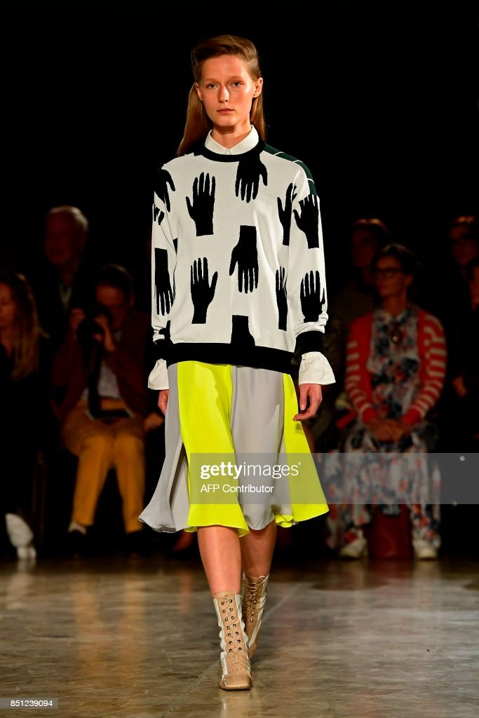 model-presents-a-creation-for-fashion-house-arthur-arbesser-during-picture-id851239094