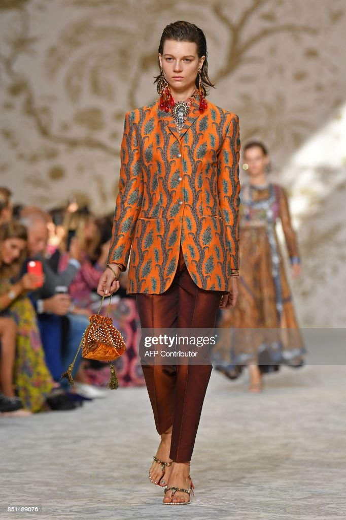 model-presents-a-creation-for-fashion-house-etro-during-the-womens-picture-id851489076