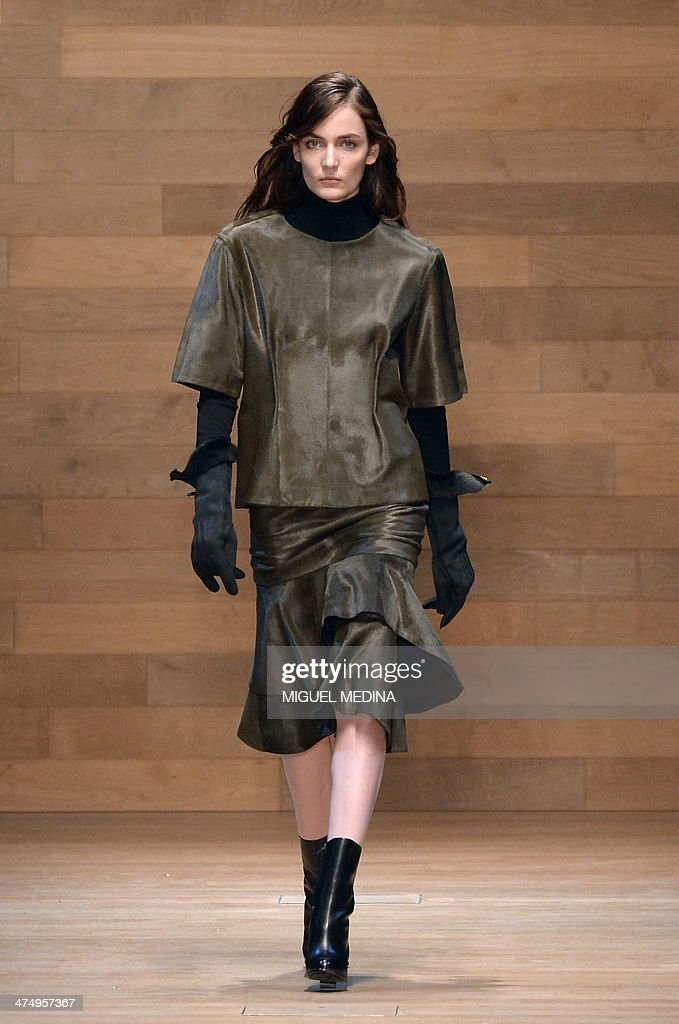A model presents a creation for Guy Laroche during the 2014/2015 Autumn/Winter ready-to-wear collection fashion show, on February 26, 2014 in Paris.