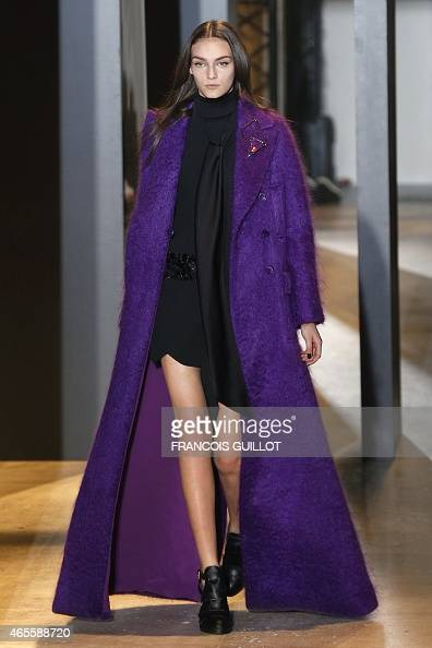 A model presents a creation for John Galliano during the 20152016 fall/winter readytowear collection fashion show on March 8 2015 in Paris AFP PHOTO...