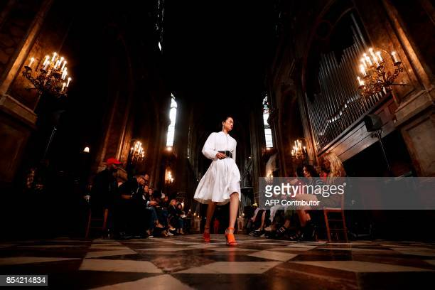 A model presents a creation for Koche during the women's 2018 Spring/Summer readytowear collection fashion show in Paris on September 26 2017 / AFP...